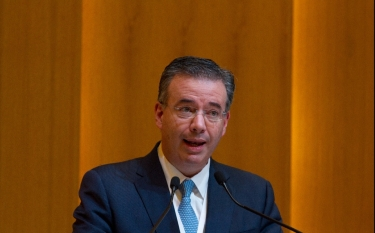 alejandro-diaz-leon-gobernador-banco