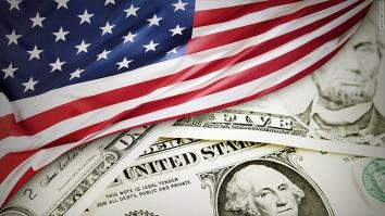 150414102528-us-strong-economy-780x439